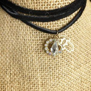 GOLD  HAMSA HAND DIAMOND  ROPE CHOKER NECKLACE